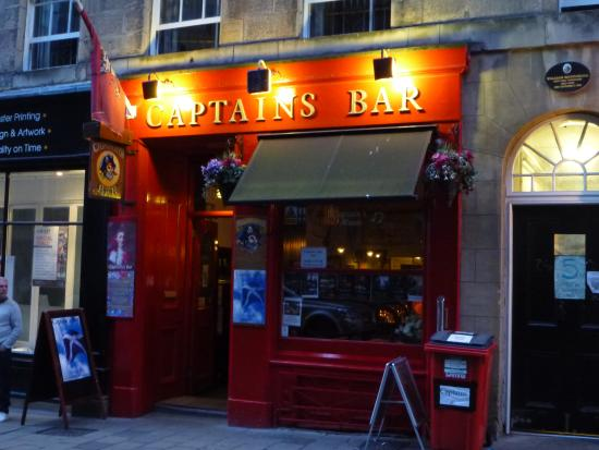 captains-bar